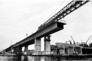 Construção da ponte Rio-Nierói